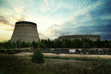 Jak poradzić sobie z usuwaniem radioaktywnych odpadów?