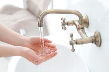 Koronawirus podatny na działanie mydła