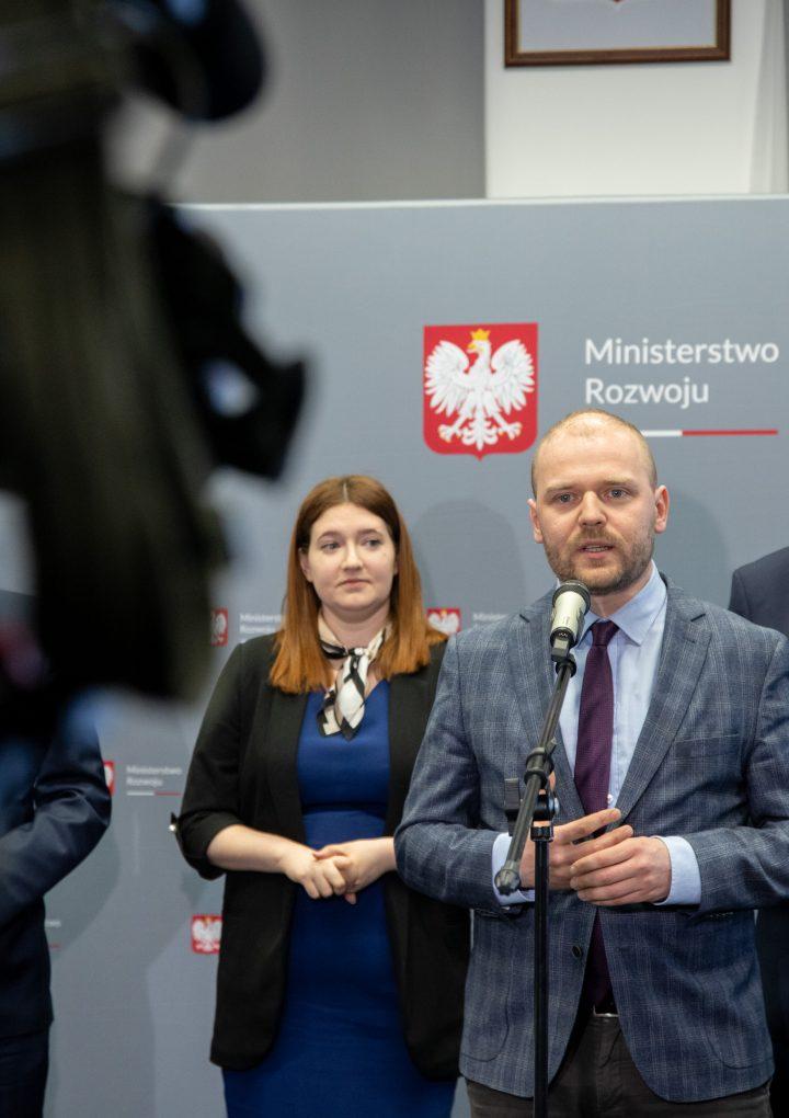 Niemal 150 milionów złotych dla firm z branży kosmicznej