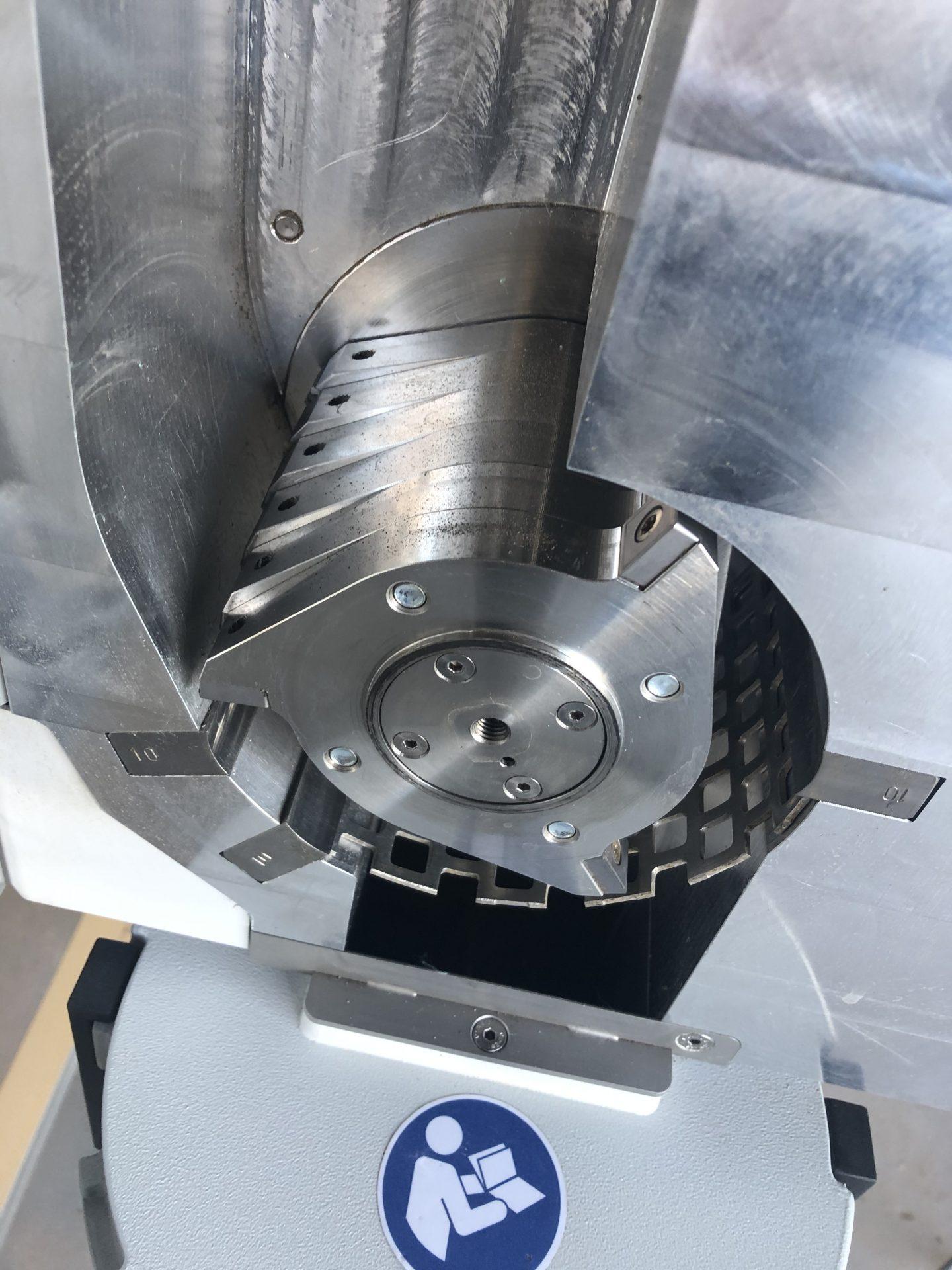 Retsch SM100 – młyn laboratoryjny