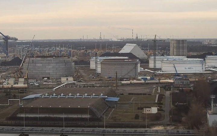 Pierwsze próby szczelności zbiorników Terminala Naftowego w Gdańsku
