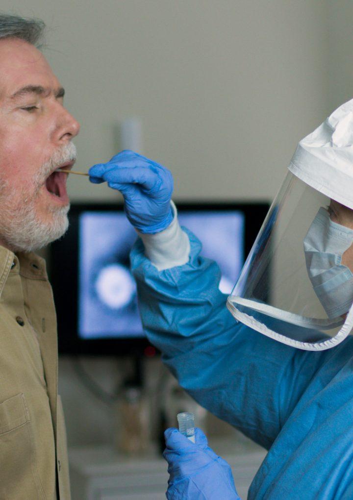Naukowcy Łukasiewicza opracują wysokoczułe testy przesiewowe na SARS-CoV-2