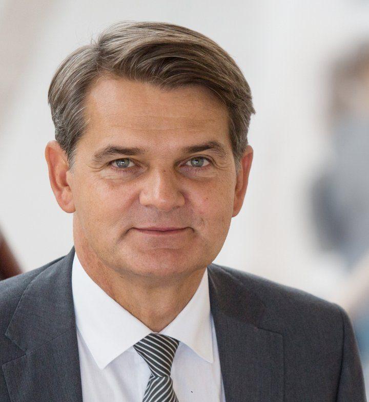 Profesor Jacek Semaniak powołany na stanowisko Prezesa Głównego Urzędu Miar