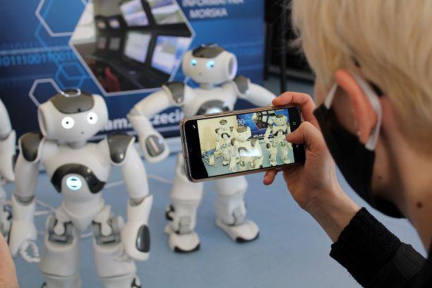 Roboty w laboratorium Akademii Morskiej w Szczecinie