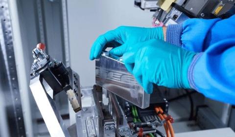 Czesi zbudują fabrykę baterii o zdolności produkcyjnej 40 GWh